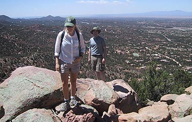 nm_sun_mountain_hikers