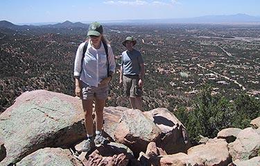nm_sun_mountain_hikers